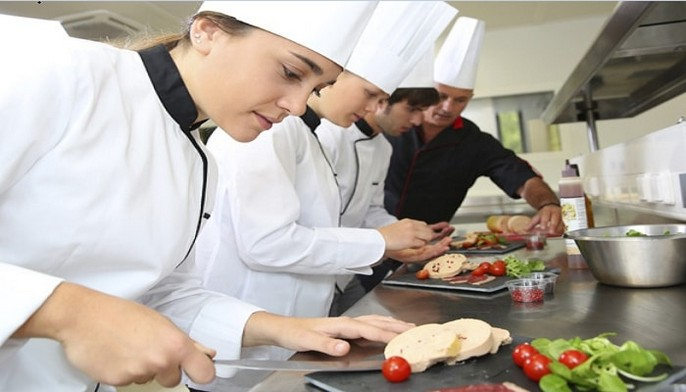 ayudantes de cocina tucuman trabajo