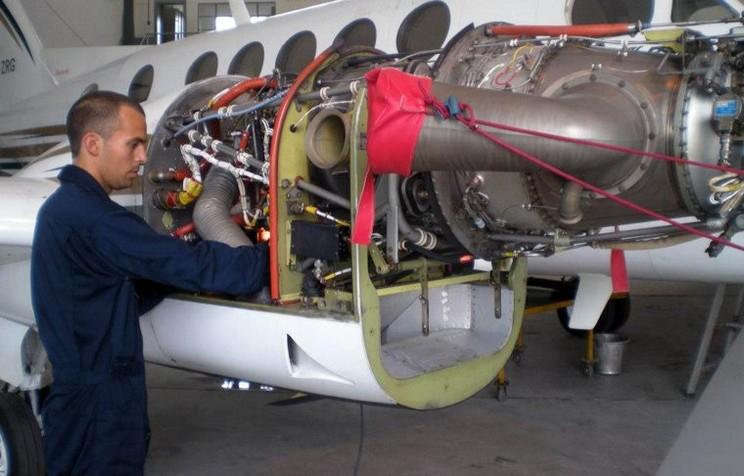 mecanico mantenimiento aviones tucuman